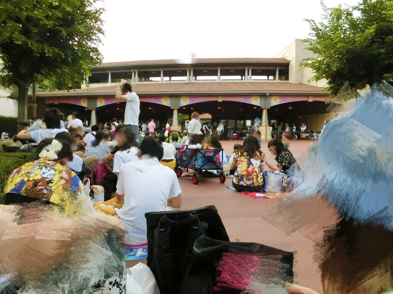 土日祝日・混雑時に人混みに負けないディズニーリゾートの過ごし方