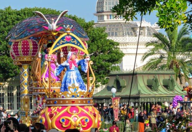 ディズニーランドのパレードを○○からゆっくりばっちり見る贅沢。