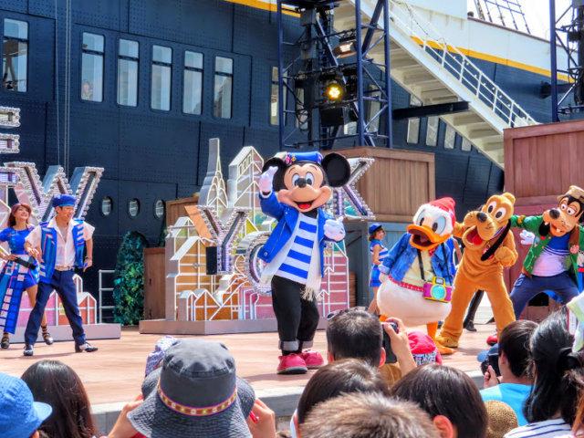 ディズニーのショーやパレード、なんで何度も見ちゃうのか